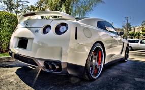 TS_Nissan-GT-R