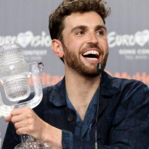 Победитель Евровидения Дункан Лоуренс гей